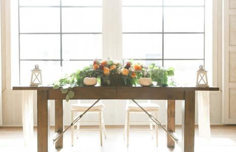 Barn Sweetheart Table Pumpkins
